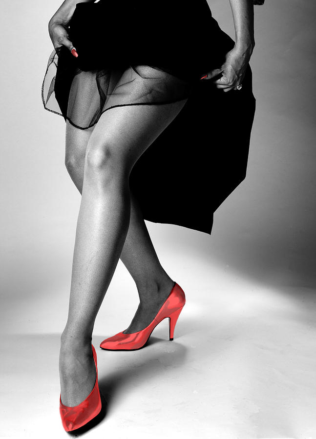 Figure Photograph - Red Shoes by Jerry Taliaferro