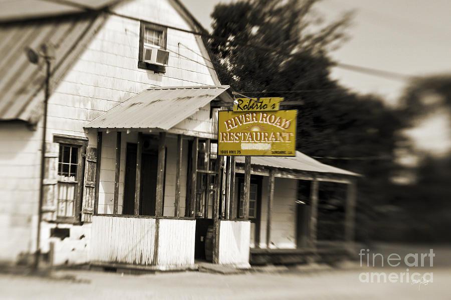 Restaurant Photograph - Robertos by Scott Pellegrin