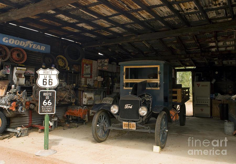 Route 66 Garage, 2009 Photograph