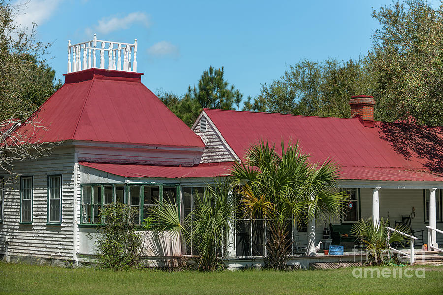 Shabby Chic Home On Sullivans Island Sc Photograph
