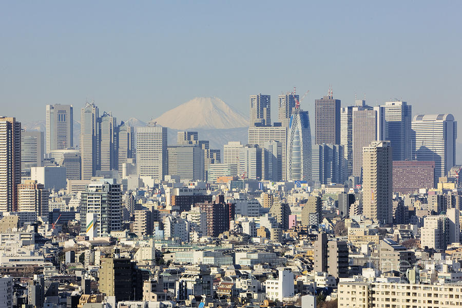 shinjuku-skyline-with-mt-fuji-jeremy-woo
