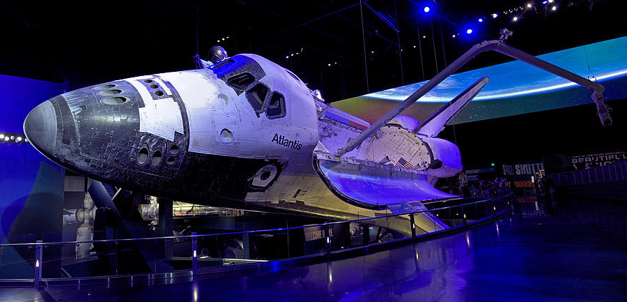 Shuttle Atlantis Photograph