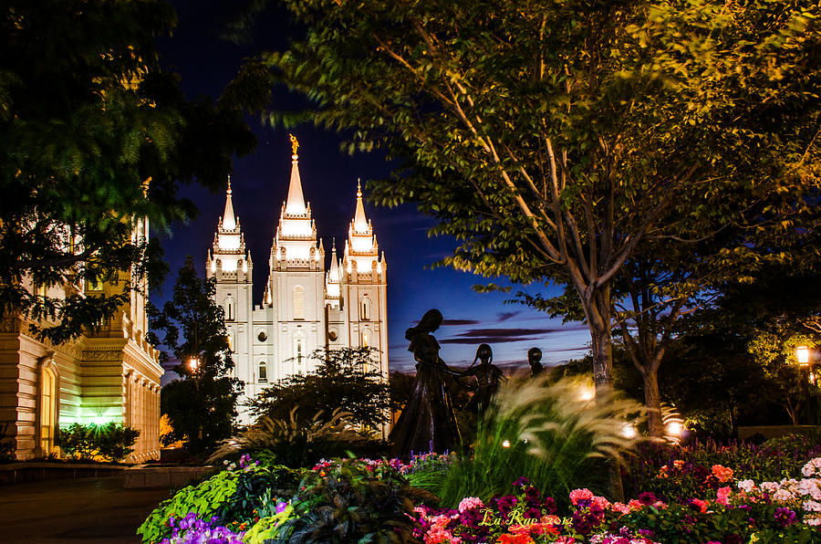 Mormon Temple Photography Photograph - Slc Mother And Children by La Rae  Roberts