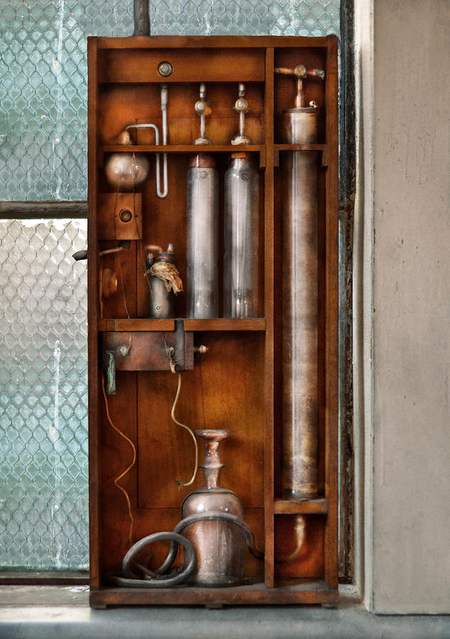 Suburbanscenes Photograph - Steampunk - The Invention  by Mike Savad