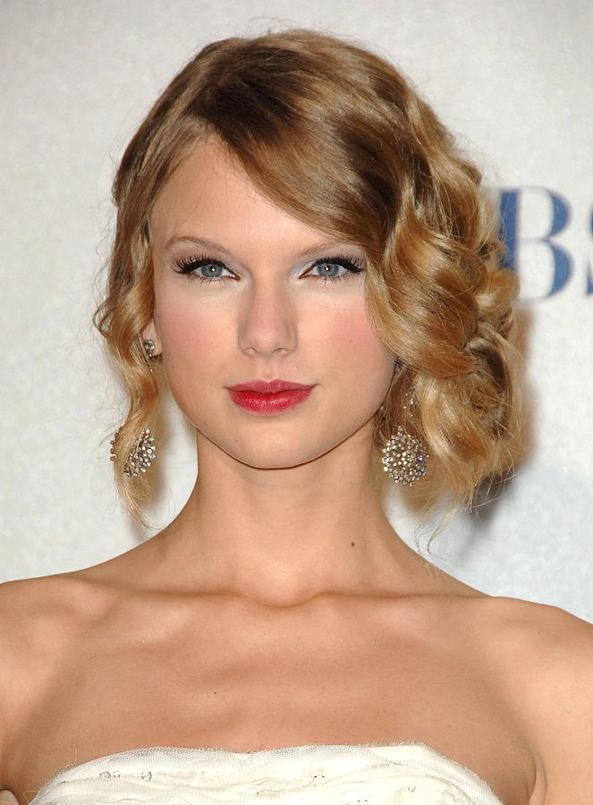 Taylor Swift In The Press Room Photograph