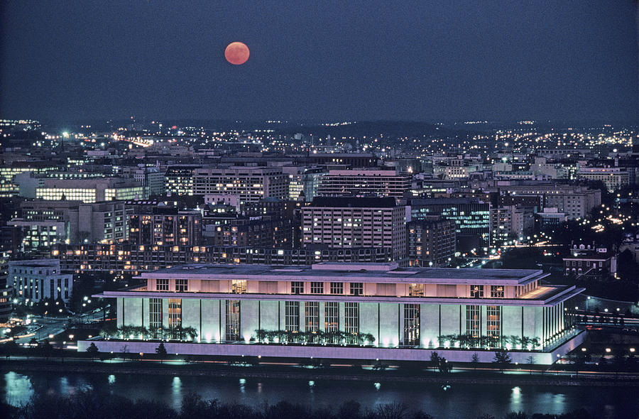 Kennedy Center Photograph - The Kennedy Center Lit Up At Night by Kenneth Garrett