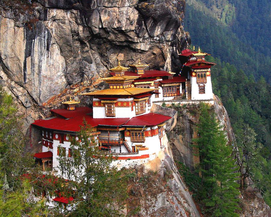 Bhutan Photograph - Tigers Nest Bhutan by Jim Kuhlmann