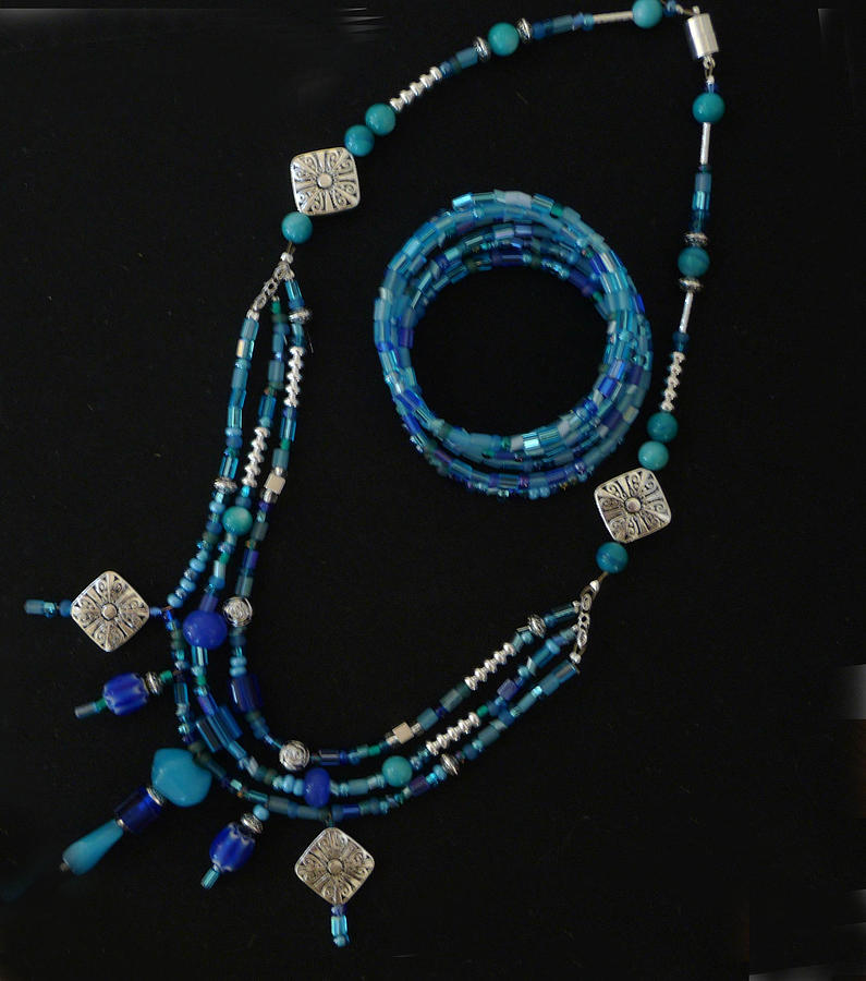 6- Strand Seed-bead Bracelet; Turquoise Seed-bead And Silver Focals Necklace Jewelry - Turquoise And Seed Bead Set by Joan  Jones