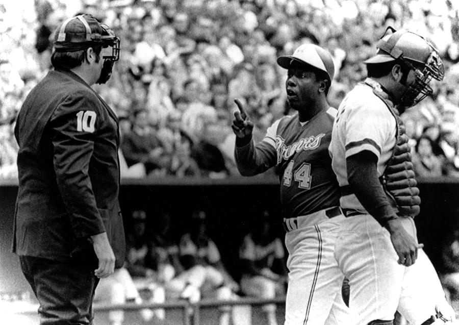 Aaron Photograph - Umpire John Mcsherry Listens To Hank by Everett