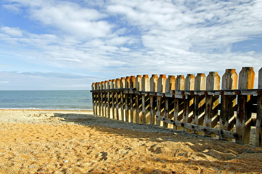 Isle Of Wight Photograph - Ventnor Beach Groyne by Rod Johnson