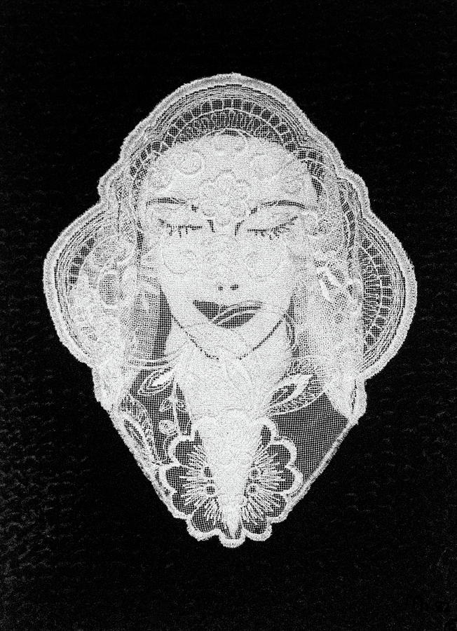 Embroidery Relief - Venus by Marie Halter