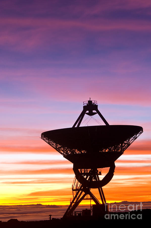 Vlba Photograph - Vlba At Sunrise 2 by David Nunuk