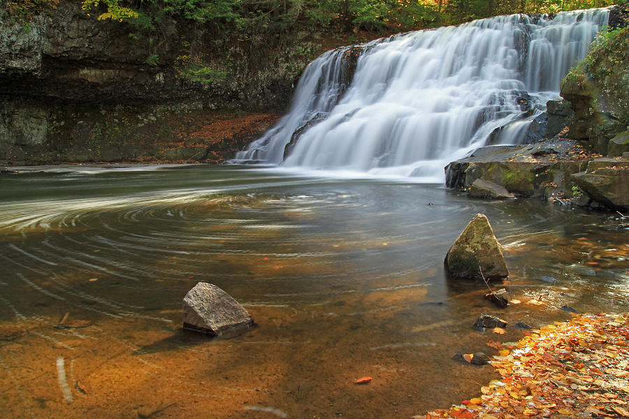 Waterfall Photograph - Wadsworth Falls by David Freuthal