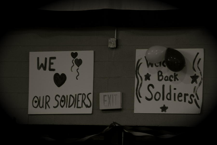 Welcome Home Soldiers Photograph
