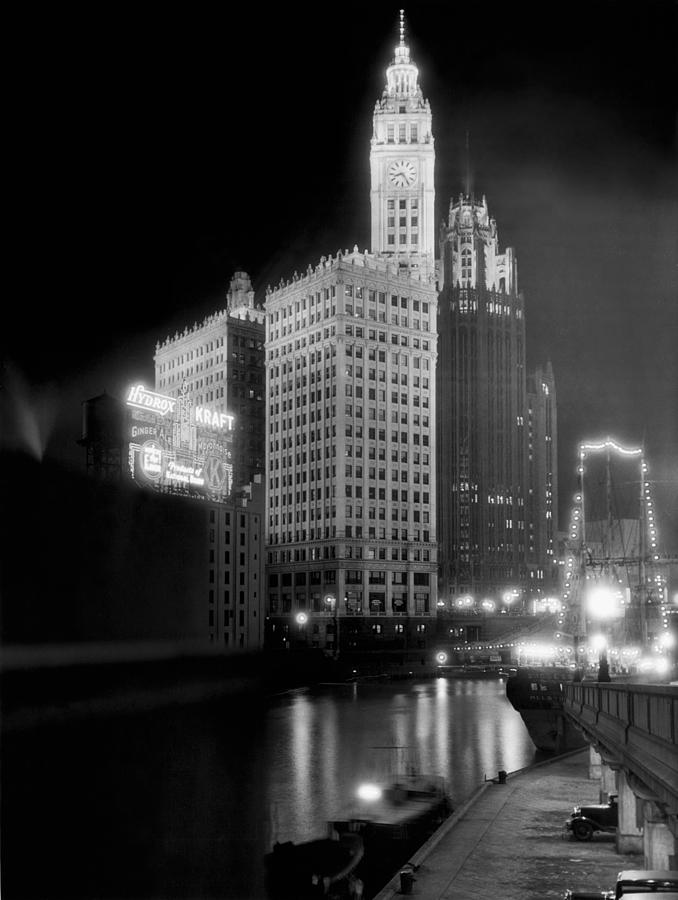 B And W Photograph - Wrigley And Tribune Buildings by Underwood Archives