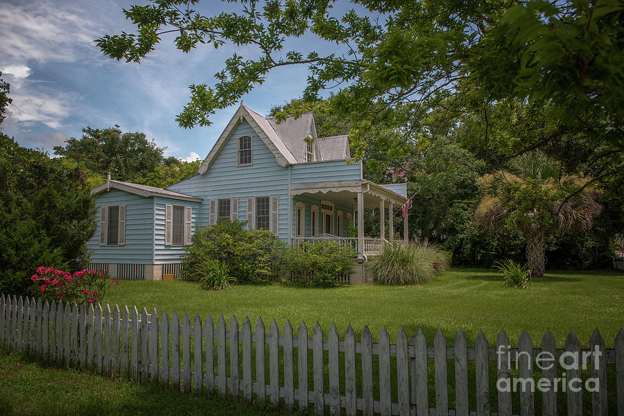 Beach Cottage With White Picket Fence Photograph