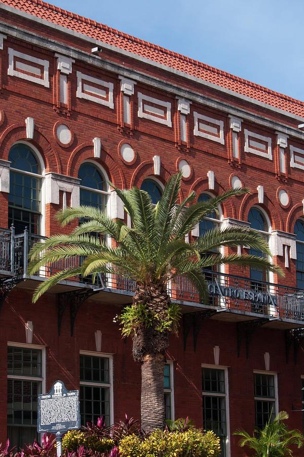 El Centro Espanol De Tampa Photograph