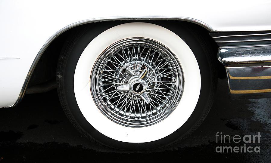 Lincoln Wire Wheel Photograph