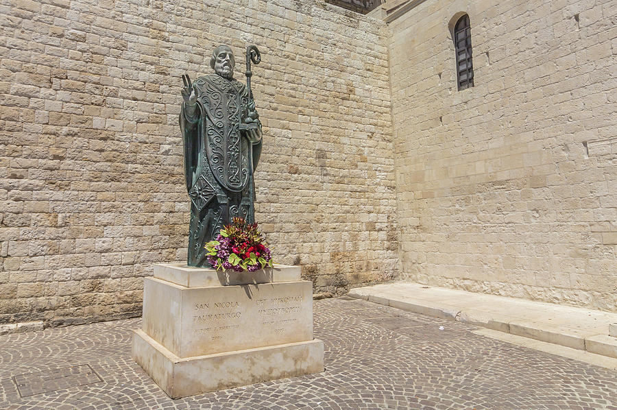 Monument San Nicola Taumaturgo Basilika San Nicola Bari Photograph