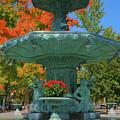 Broadway Fountain II by Steven Ainsworth