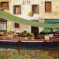 il mercato galleggiante a Venezia by Guido Borelli