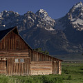 Mountain Barn by Andrew Soundarajan