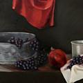 Red Grapes by Raimonda Jatkeviciute-Kasparaviciene