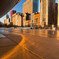 Under the bean and Chicago skyline at sunrise Print by Sven Brogren