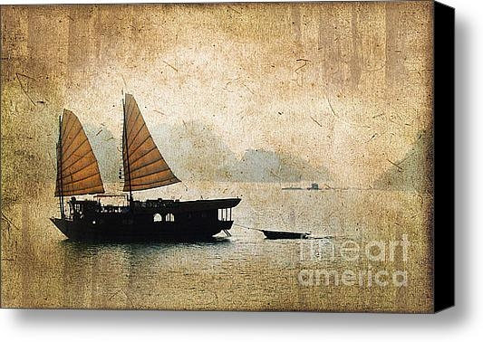 Delphimages Photo Creations - Halong Bay vintage Print