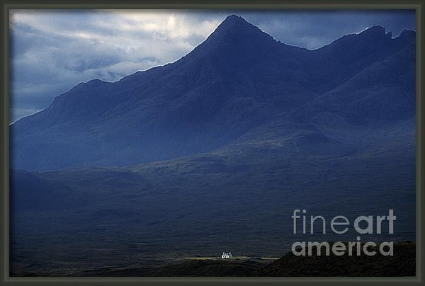 Phil Banks - Cottage below Sgurr nan G... Print