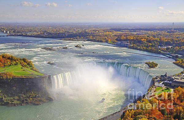 Charline Xia - Niagara Falls Autumn Print