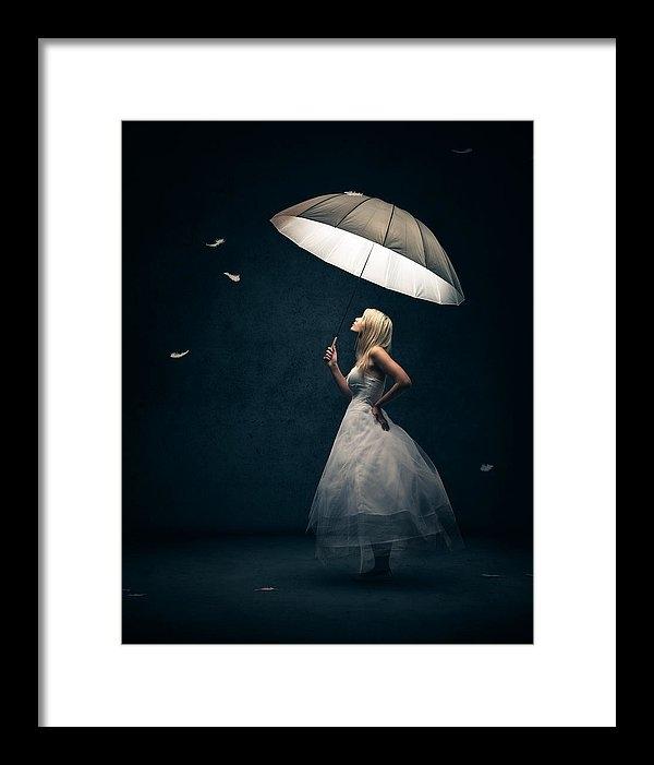 Johan Swanepoel - Girl with umbrella and fa... Print