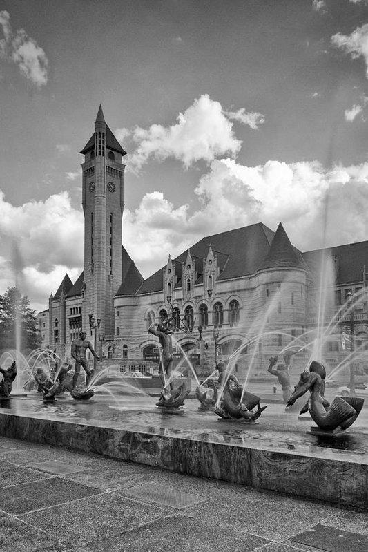 Harold Rau - Union Station - St Louis Print