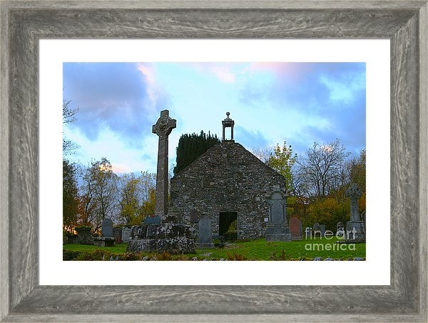 JM Braat Photography -  Balquhidder Kirkyard and... Print