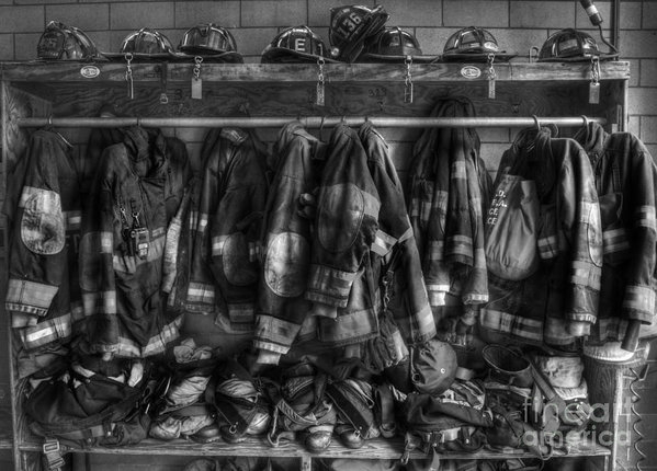 Lee Dos Santos - The Gear of Heroes - Fire... Print