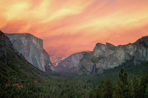 Francesco Emanuele Carucci - Yosemite - Red Valley Print