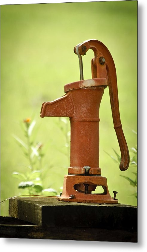 Carolyn Marshall - Old Fashioned Water Pump Print