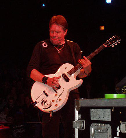 John Telfer - George Thorogood performing