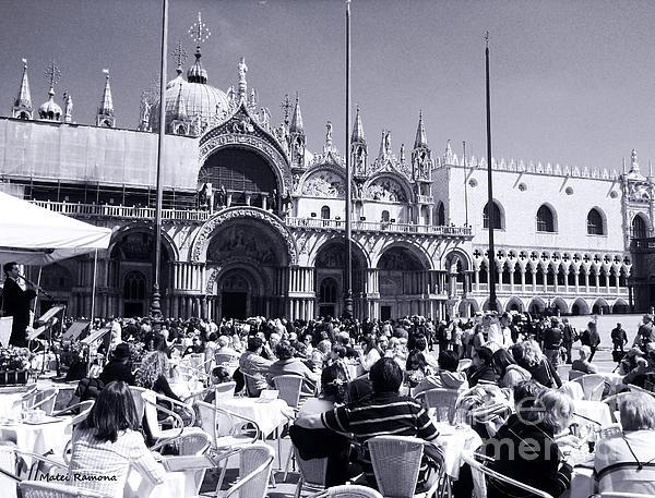 Ramona Matei - Jazz in Piazza San Marco Black and White