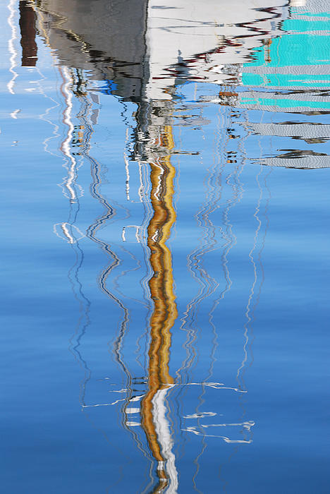 Jani Freimann - Sailboat Reflection