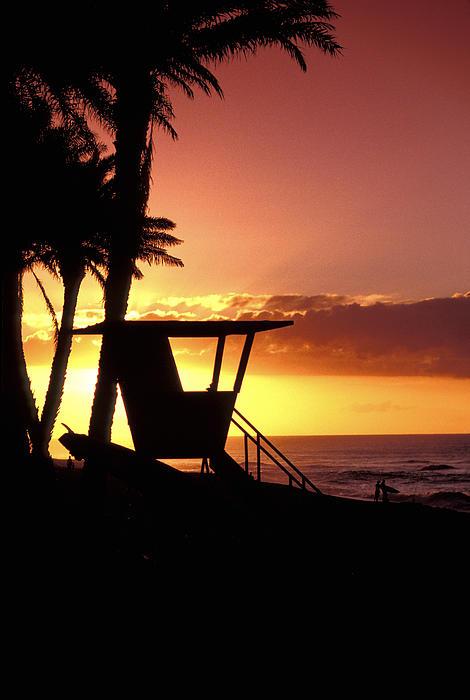 Sean Davey - Sunset Lifeguard station