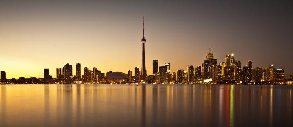 Aqnus Febriyant - Toronto Golden Skyline
