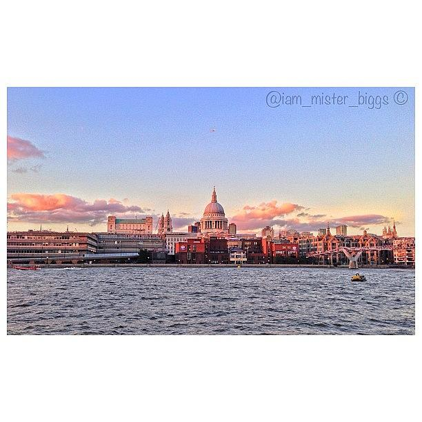 Bd Photograph - 📷 #stpaulscathedral #london #skyline by Ben Armstrong