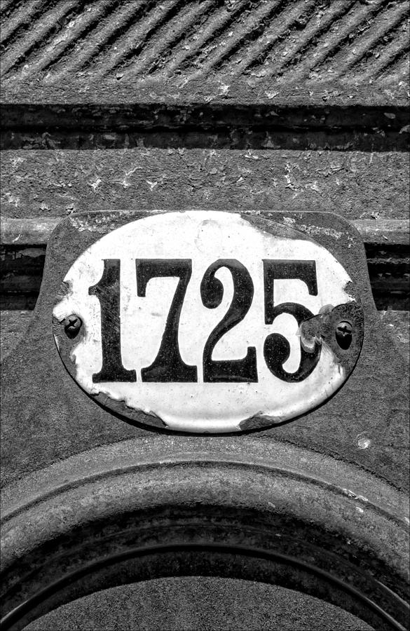 Number Photograph - 1725 by Robert Ullmann