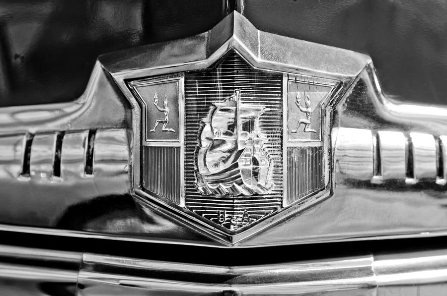 Black And White Photograph - 1949 Plymouth P-18 Special Deluxe Convertible Emblem by Jill Reger