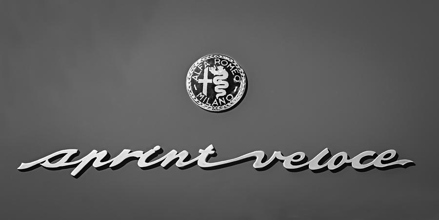 1957 alfa romeo giulietta sprint veloce alleggerita emblem