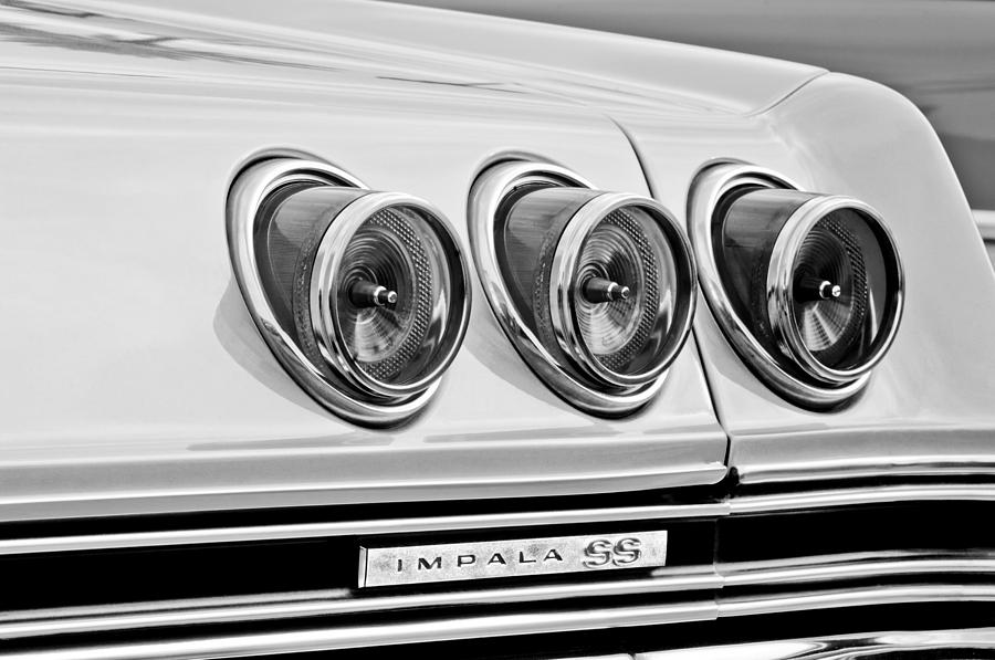 1965 Chevrolet Impala Ss Taillight Emblem Photograph By