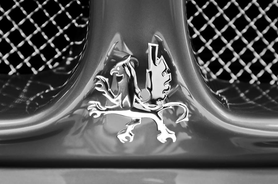 1969 Iso Grifo Grille Emblem Photograph - 1969 Iso Grifo Grille Emblem by Jill Reger