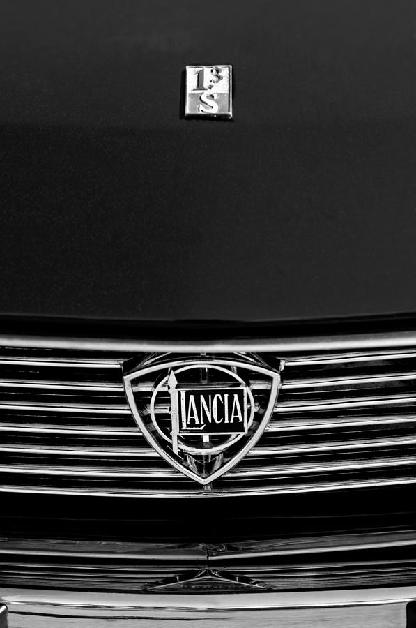 Grill Photograph - 1972 Lancia Fulvia 1.3s S2 Grille Emblem by Jill Reger