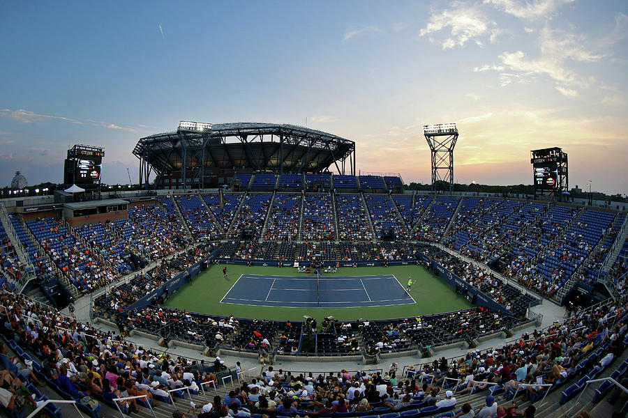 2015 U.s. Open - Day 1 Photograph by Streeter Lecka